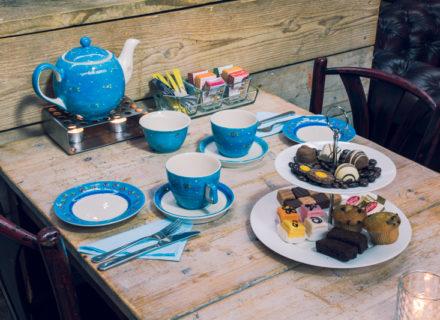 Wij verzorgen een heerlijke high tea, informeer naa de mogelijkheden!